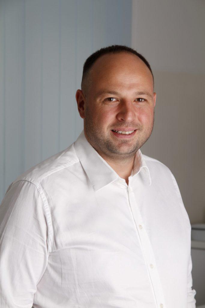 Dr Filip Pilipović